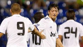 Özil y Benzema dan brillo al Real Madrid